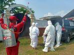 pemakaman-jenazah-pasien-covid-19-di-kabupaten-sumedang.jpg