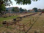 pembangunan-shelter-pkl-di-atas-lapangan-sepakbola-gor-singalodra.jpg