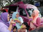 pembeli-mangkok-manis-di-mobile-store-jalan-citarum-dekat-masjid-istiqomah_20170827_133429.jpg