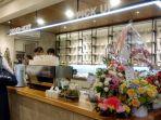 pembeli-tampak-mengantri-untuk-memesan-kopi-di-old-bens-jalan-dipenogoro-no-3a-bandung_20180110_151952.jpg