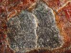penampakan-batu-hajar-aswad-yang-difoto-dengan-resolusi-tinggi.jpg