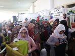 pengunjung-di-hijab-market-2019-di-sabuga-_-1.jpg
