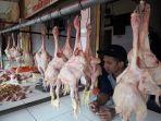 penjual-daging-ayam-dian-25-di-pasar-ciroyom-kota-bandung-rabu-12122018.jpg
