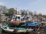 perahu-nelayan-terpakir-di-dermaga_20180804_171941.jpg