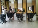 perawatan-rambut-di-salon_20171206_172426.jpg