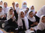 perempuan-di-sekolah-menengah-afghanistan.jpg