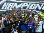 persib-juara-liga-super-indonesia-2014-ekspresi-emil.jpg