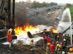 petugas-upaya-padamkan-api-di-cimahi-pertamina.jpg