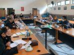 pimpinan-dan-anggota-komisi-ii-gelar-agenda-rapat-evaluasi-program-kegiatan.jpg