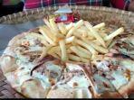 pizza-corona-di-pangandaran.jpg