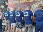 polisi-mengamankan-lima-pelaku-penganiayaan-di-cafe-sneakers.jpg