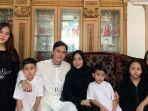 potret-muzdalifah-dan-keluarganya.jpg