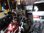 puluhan-barang-bukti-komponen-mobil-curian-polsek-warungkondang-3112020.jpg