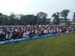 ribuan-warga-mengikuti-salat-iduladha-di-lapangan-gasibu-2018_20180822_081825.jpg