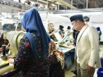 ridwan-kamil-berkunjung-ke-dua-pabrik-tekstil-di-kawasan-banjaran-kabupaten-bandung_20180518_165006.jpg
