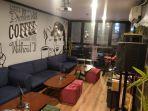 ruangan-khusus-karaoke-di-non-kitchen-coffee-yang-tampak-instamable-banget.jpg