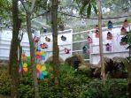 rumah-burung-warna-warni-di-bird-and-bromelia-pavilion_20170620_131731.jpg