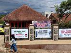 rumah-ilosasi-covid-19-di-desa-tenjolaya-kecamatan-pasirjambu.jpg
