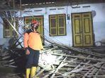 rumah-musrifah-yang-terdampak-gempa-bumi-yang-terjadi-di-blitar-jawa-timur-jumat-2152021.jpg