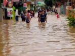 rumah-plh-bupati-karawang-dan-kepala-bpbd-pun-kebanjiran-anak-sungai-citarum-meluap.jpg