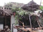 rumah-rusak-puting-beliung-pamarican-ciamis.jpg