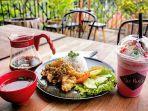 sajian-menu-nasi-sambal-mentah-ikan-dori-tepung-di-the-parlor_20170911_161824.jpg