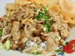 sajian-nasi-lengko-bumbu-kacang-di-warung-tutut-mang-oded.jpg