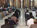 salat-jumat-di-masjid-agung-cimahi-jawa-barat-jumat-1382021.jpg