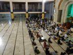 salat-tarawih-malam-pertama-ramadan-1442-di-masjid-raya-jabar2.jpg