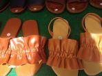sandal-kulit-sintetis-rp-100-ribu-di-bandung-fashion-market-selasa-26122017_20171226_142652.jpg