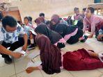 sebanyak-28-murid-kelas-2-di-sd-negeri-jatimunggul-1-terpaksa-mengikuti-ujian-secara-lesehan.jpg