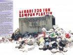 sehari-230-ton-sampah-plastik.jpg