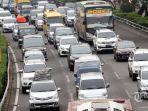 sejumlah-kendaraan-roda-empat-pemudik-terjebak-kemacetan-di-tol-dalam-kota-jakarta_20170623_143728.jpg