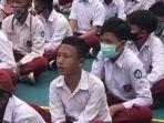 sejumlah-siswa-terlihat-tidak-menggunakan-masker-saat-mpls-di-smp-n-1-majalengka.jpg