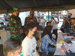 serbuan-vaksinasi-di-gor-tadjimalela-kabupaten-sumedang.jpg