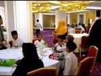 shakti-hotel-bandung-buka-bersama-anak-yatim_20180608_185728.jpg