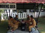 smoking-area-di-setda-kabupaten-cirebon_20180703_082008.jpg