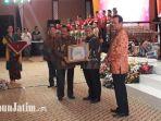 soekarwo-dan-ahmad-heryawan_20180307_140044.jpg