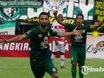 striker-persebaya-surabaya-manuchekhr-dzhalilov.jpg