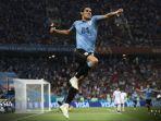 striker-uruguay-edinson-cavani_20180701_060213.jpg
