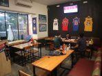 suasana-al-phill-dengan-konsep-sporty-cafe.jpg