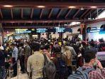 suasana-antrean-penumpang-di-terminal-2-bandara-soekarno-hatta.jpg