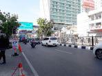 suasana-arus-lalu-lintas-di-jalan-merdeka-tepatnya-di-depan-bandung-indah-plaza-terpantau-lancar_20170903_102926.jpg