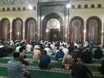 suasana-menjelang-salat-gerhana-bulan-di-masjid-raya-cimahi-rabu-3112018_20180131_205036.jpg