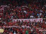 suporter-indonesia-memberikan-dukungan-dari-tribun.jpg