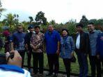 susilo-bambang-yudhoyono-saat-sesi-foto-bersama-dengan-jajaran-demokrat-dan-pemilik-floating-market_20180324_151347.jpg