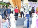 tamu-undangan-resepsi-pernikahan-di-gedung-rato-ebu-bangkalan.jpg