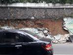 tembok-mural-yang-ambruk-di-jalan-siliwangi-kota-bandung-masih-belum-selesai-diperbaiki_20180101_165832.jpg
