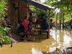 tiga-rumah-terendam-banjir-di-kampung-selaeurih-desa-bunder-jatiluhur-kabupaten-purwakarta.jpg