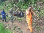 tim-sar-temukan-warga-cianjur-yang-hanyut-sudah-tewas-terbawa-arus-sejauh-20-kilometer.jpg